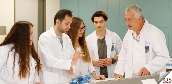 Acıbadem Üniversitesi Optisyenlik Programı Öğrencileri Tam Donanımlı Yetişiyor